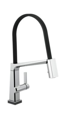 Single Handle Exposed Hose Kitchen Faucet with Touch2O Technology