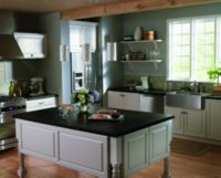 Traditional Kitchen Design - Delta Faucet Image 2